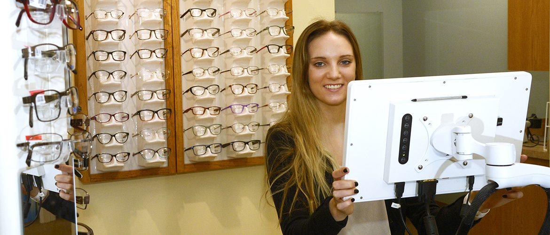 Student intern at optometrist office