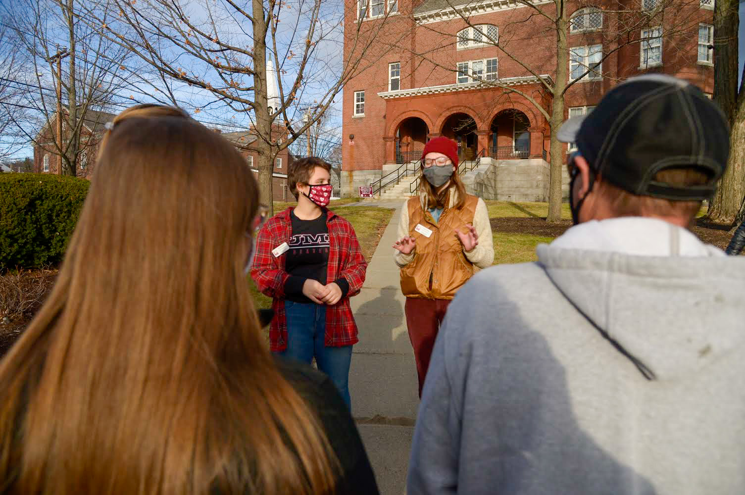 Admissions Ambassadors giving a campus tour