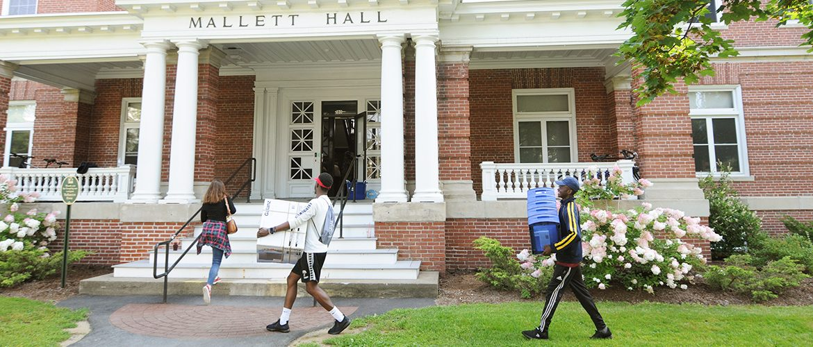 New UMF students moving in to residence hall